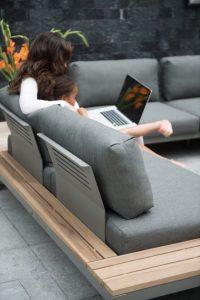 design hoek loungesets van teakhout