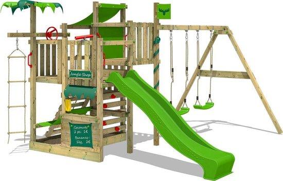 houten speeltoestel met klimwand